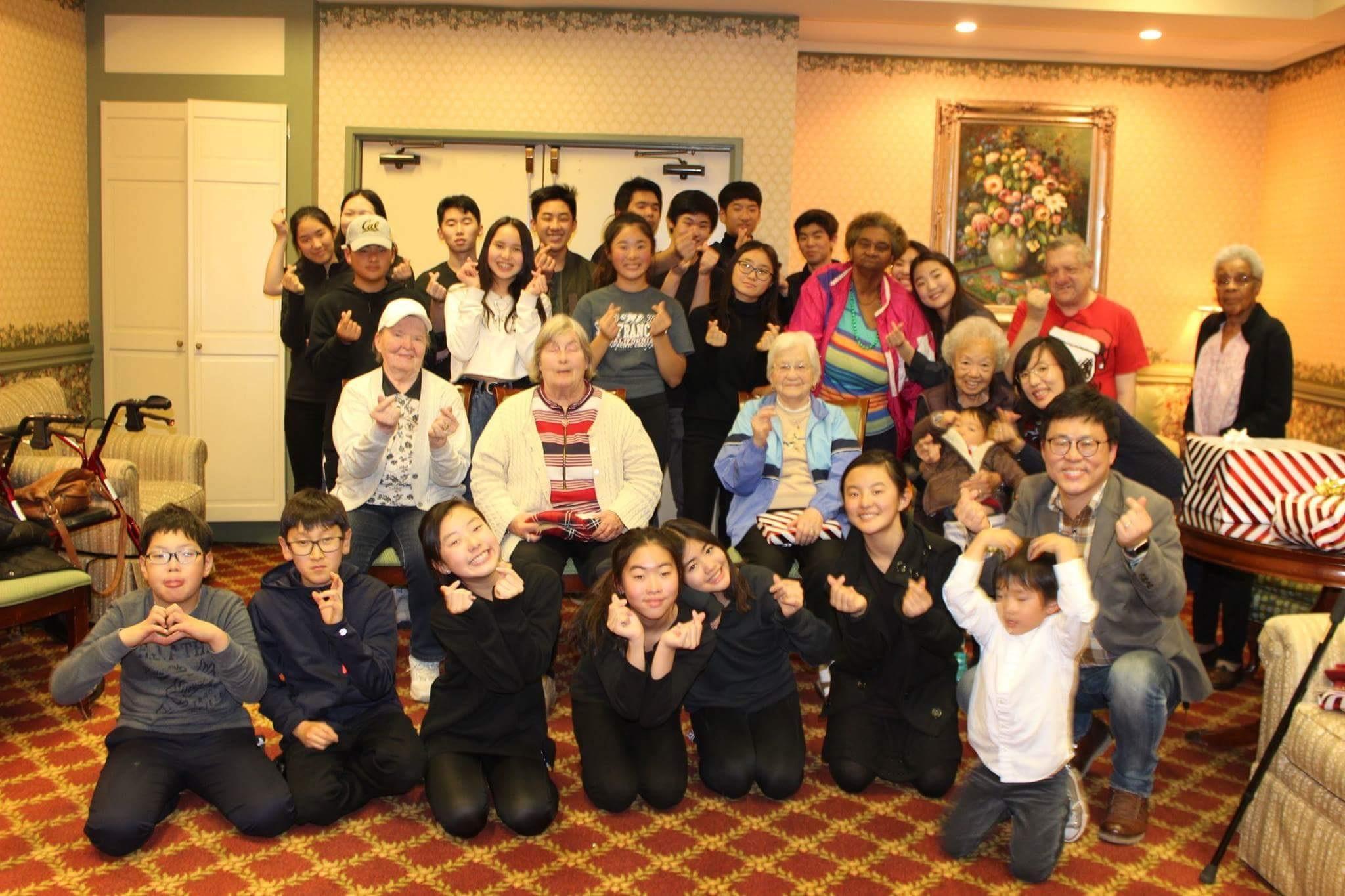 Senior center visit7.jpg